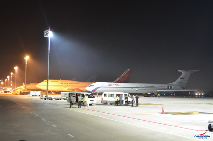 400w-led-floodliht-Airport-Cambodia-3