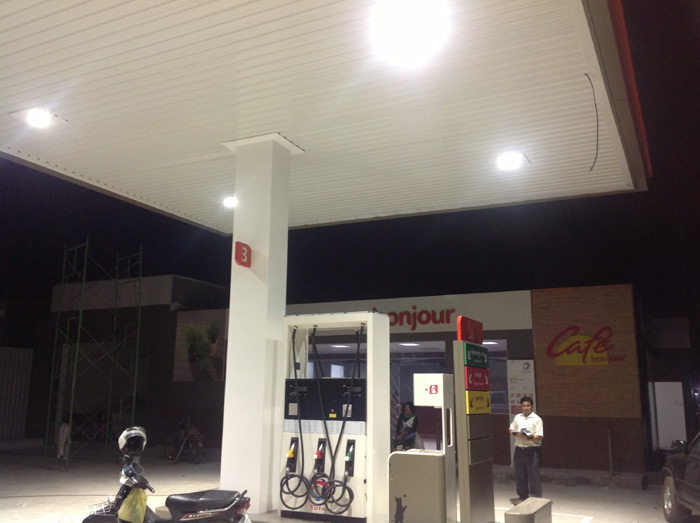 100w-led-Canopy lights-Gas Station-Cambodia-1
