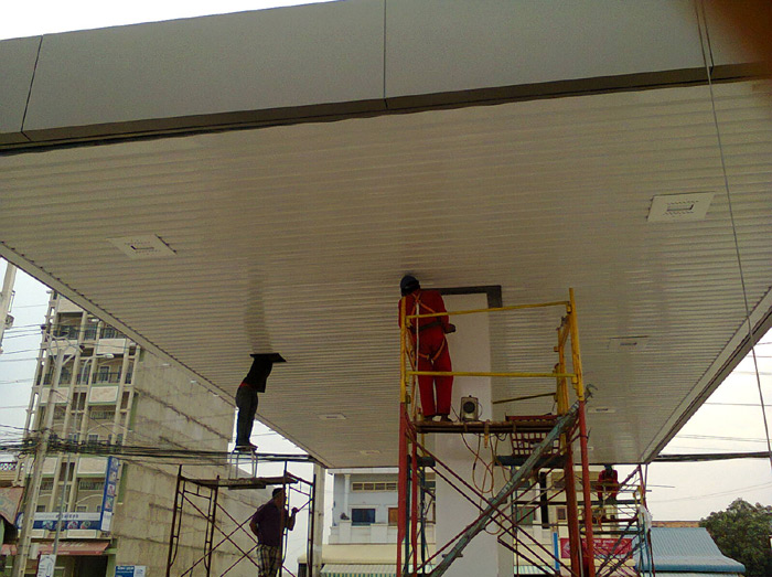 100w-led-Canopy lights-Gas Station-Cambodia-4