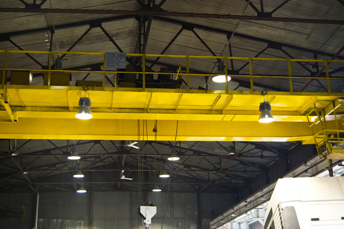 100w-led-highbay-workshop-Luthania-2