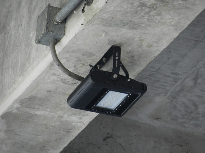 60w-led-floodlight-Airport-Thailand-3